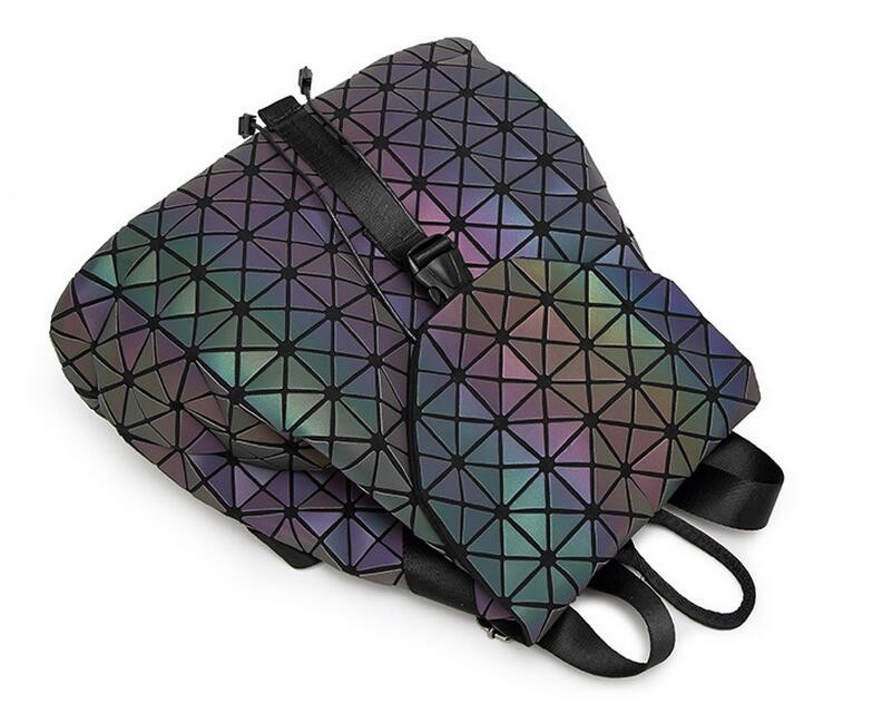 Фото Biseafairy Luminous Backpack Diamond Lattice Bag Travel Geometric Women Fashion Bag Teenage Girl School Noctilucent Backpack