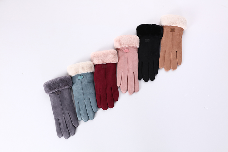 Фото New Winter Female Lace Warm Cashmere Three Ribs Cute Bear Mittens Double thick Plush Wrist Women Touch Screen Driving Gloves 81C
