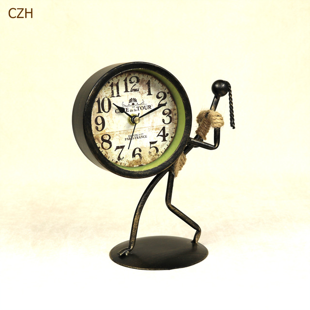 Фото Настольные часы Creative Metal Abstract Figure Desk Clock Ornamental Wrought Iron Art Home Decor Craft Knickknack Accessories Furnishing